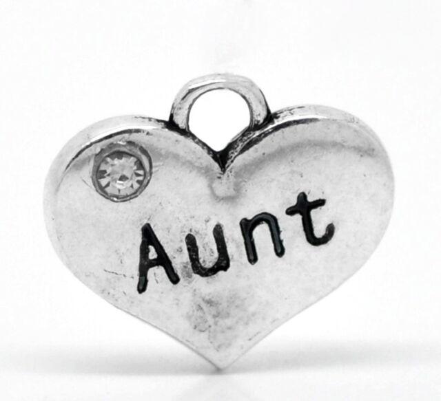 4 X SILVER TONE RHINESTONE 'AUNT' HEART CHARMS 16MM X 14MM (No73)