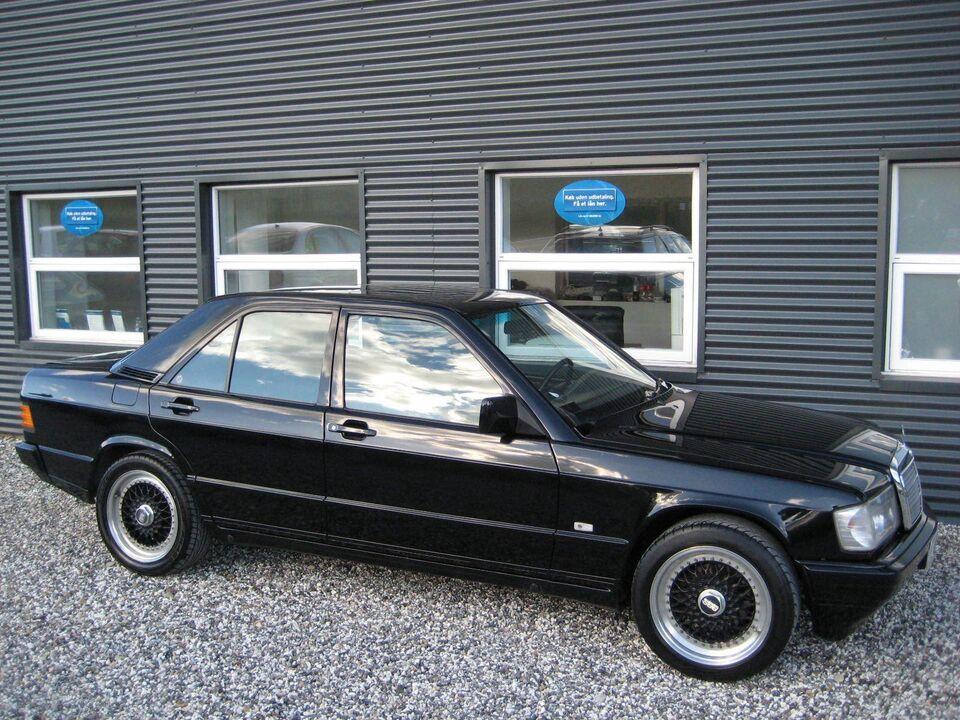 Mercedes 190 E 3,7 AMG Benzin modelår 1987 km 226000 Sort