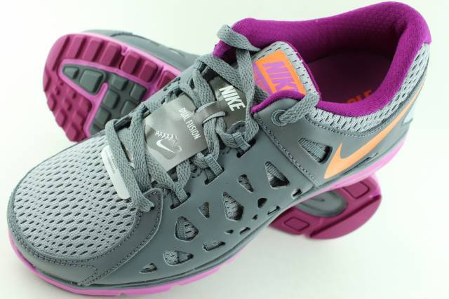 NIKE WOMAN'S DUAL FUSION RUN 2 gris Size: 6.5 RARE COMFORTABLE NEW RUNNING