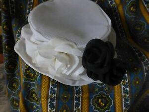 Lot= Mignon Chapeau Blanc Femme +3fleursnoires A Placer