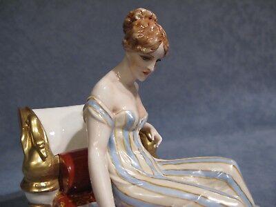 "Porcellane ""FABRIS""  Paolina Bonaparte sul Sofa'"