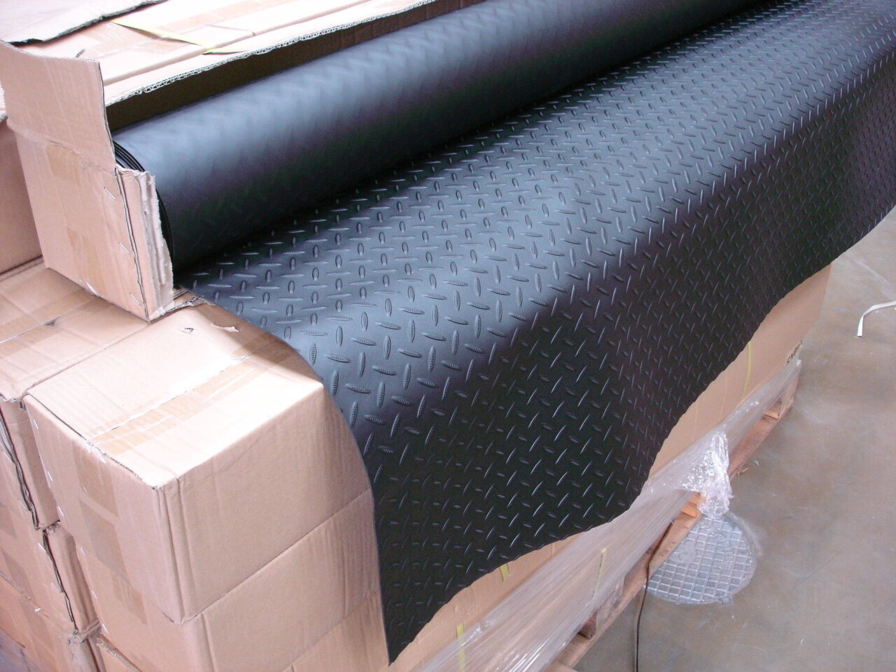 3MM sheet 1.5m wide top quality modern rubber chequer design garage flooring