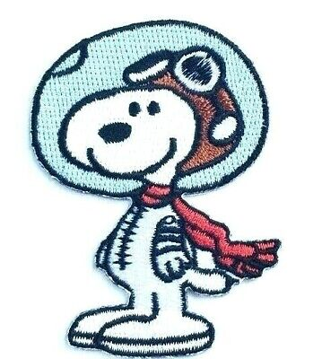 Snoopy with Red Heart Embroidered Iron On//Sew On Patch Peanuts