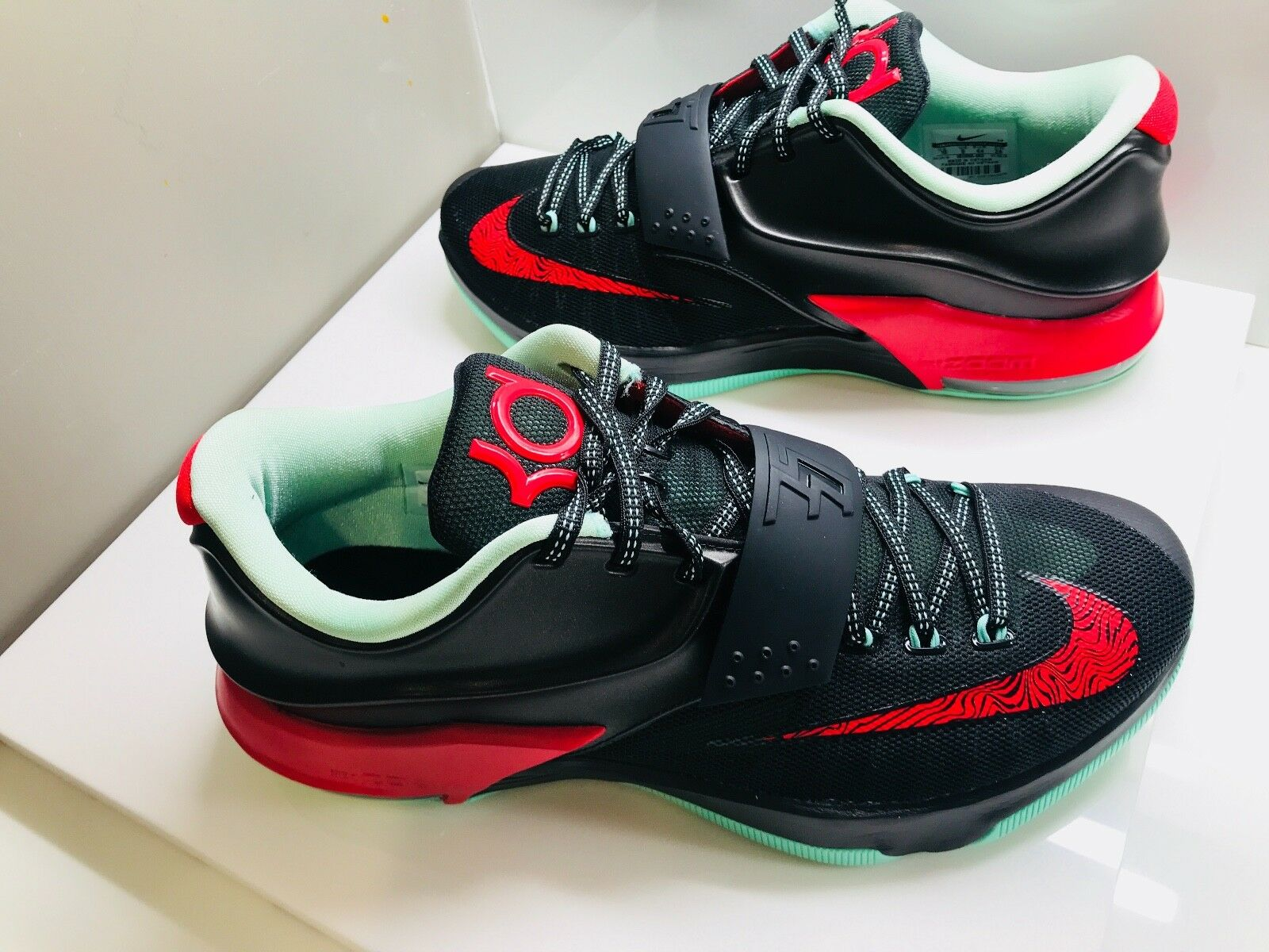 6d7301a83ac2 Nike Athletic Running shoes Men s Size 10 Kevin Durant Durant Durant VII  Basketball shoes New 101096
