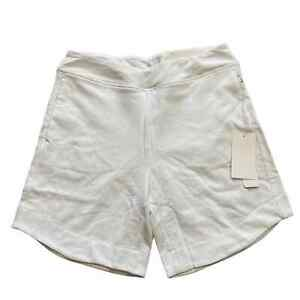 SOFT-SURROUNDINGS-White-Hidden-Tummy-Panel-Shorts-NWT-Size-Medium