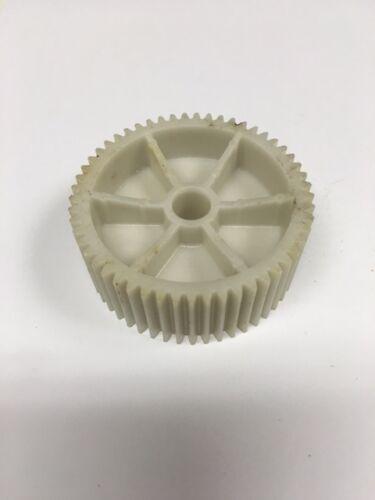 Oster 24929 Vintage Kitchen Center Plastic Center Gear Genuine B2