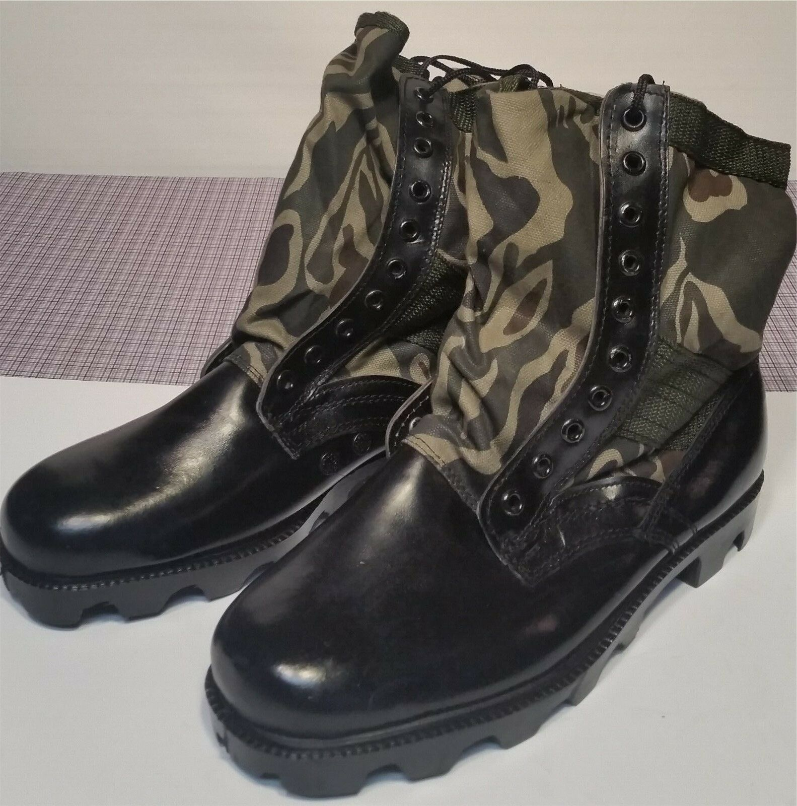 Vietnam MIL Spec Style Combat Green Jungle Boots Tropical Size 13 Wide new
