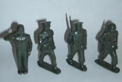 16 pcs - olive PL-319 Marx Toys US Parade Soldiers