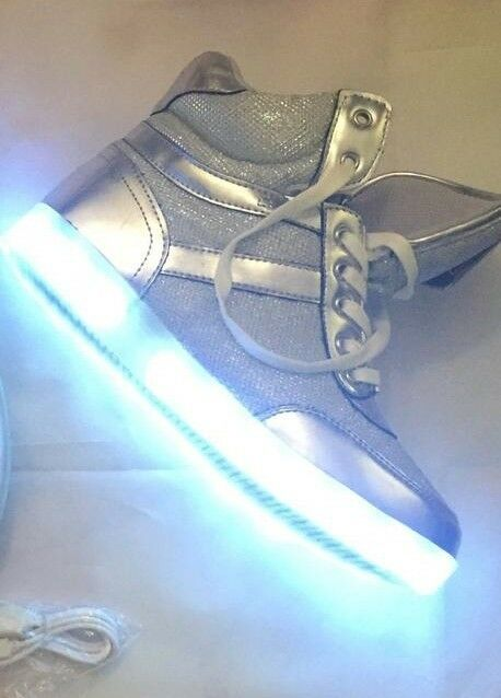 Women Original BEBE light up krysten slvfx Size 10 10 10 93e048