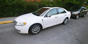 2010 Lincoln MKZ AWD - Fully Loaded (Navigation)