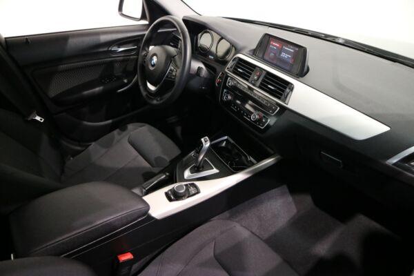 BMW 118i 1,5 Connected aut. - billede 5
