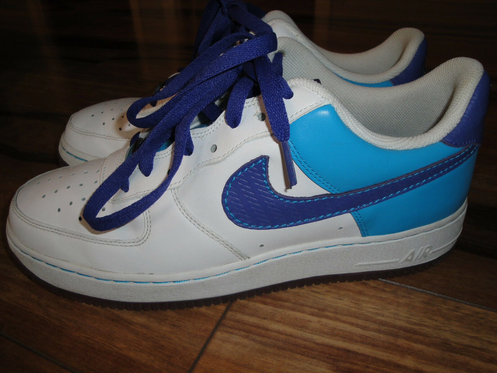 Nike Air Force 1 '07 Size 10 Style White Purple & Laser blueee