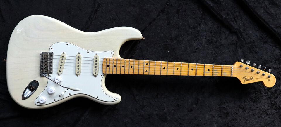 """Fender Custom Shop """"California"""" Relic Stratocas..."""