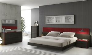 Premium 5 Piece Queen Size Bedroom Set Red Lacquer Finish Built-In LED Lights
