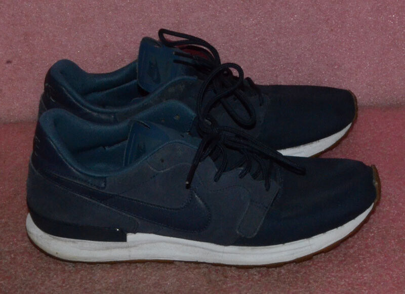 Nike Air Berwuda Premium Men's Running  shoes 844978-401 Size 10.5  free shipping