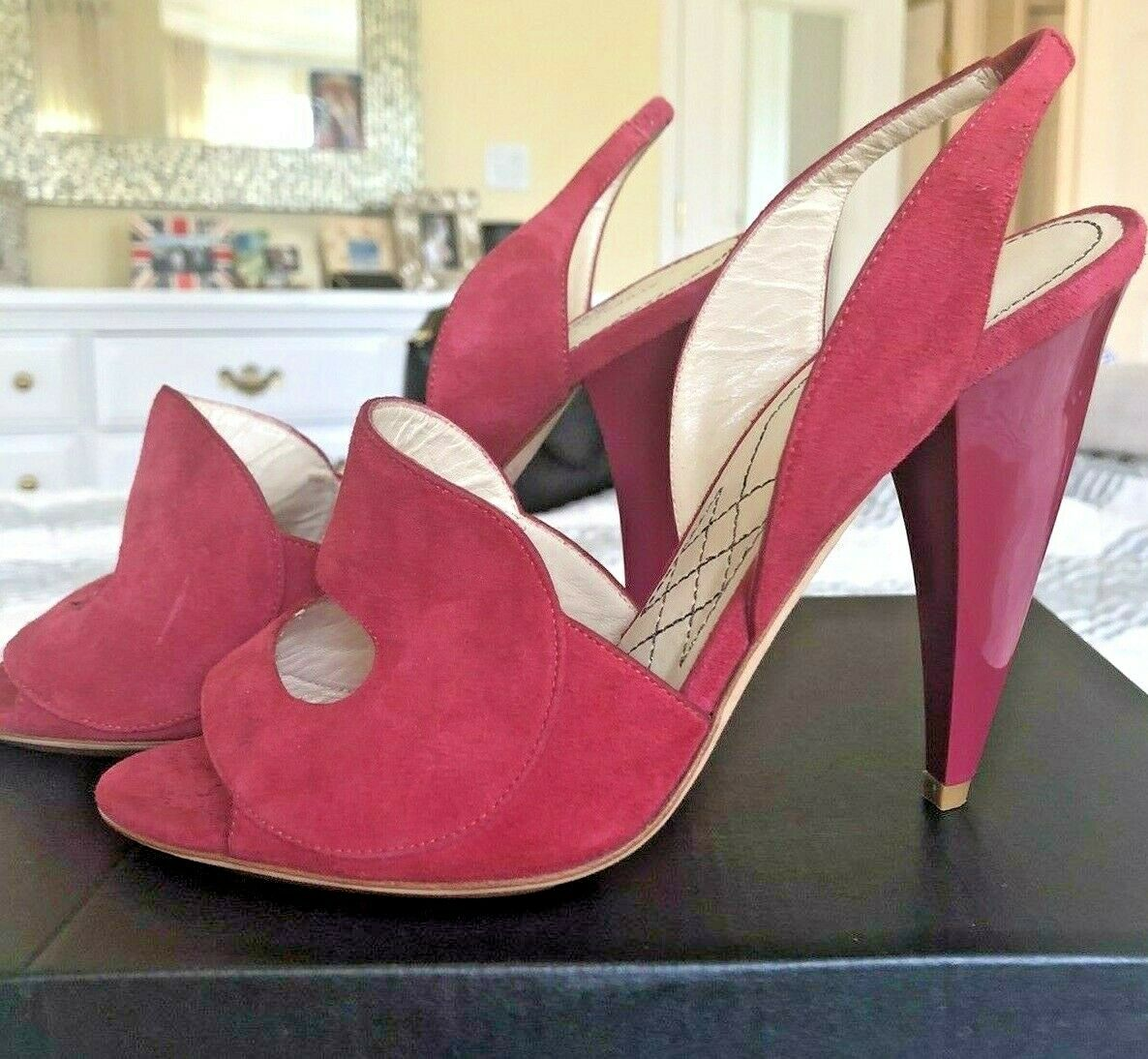 Alberta Ferretti shoes size 37 high heels soft red suede made in Italy perfect!