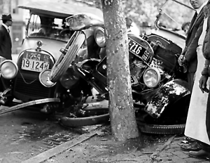 "1920 Auto Accident Old Photo 8.5"" x 11"" Reprint"