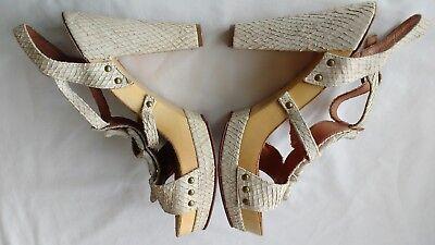 Bertie Mujer Damas Zapatos Talla 6/39 Nuevo Beige Cocodrilo Tacones Plataforma T-Bar