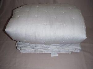 couvre lit 240x240 couvre lit TRIOMPHE Yves Delorme 240x240 gris clair COTON coverlet  couvre lit 240x240