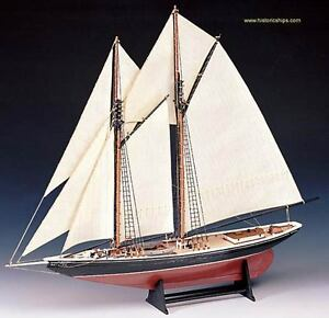 Elegant-finely-detailed-Amati-wooden-model-ship-kit-the-034-Bluenose-034-schooner