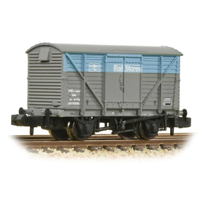 Graham-Farish-377-629-N-Gauge-BR-Railstores-12t-Ventilated-Van