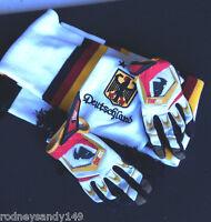 Deutschland Scarf / Glove Set Rubber Back For Sports Soccer Etc. Men's B