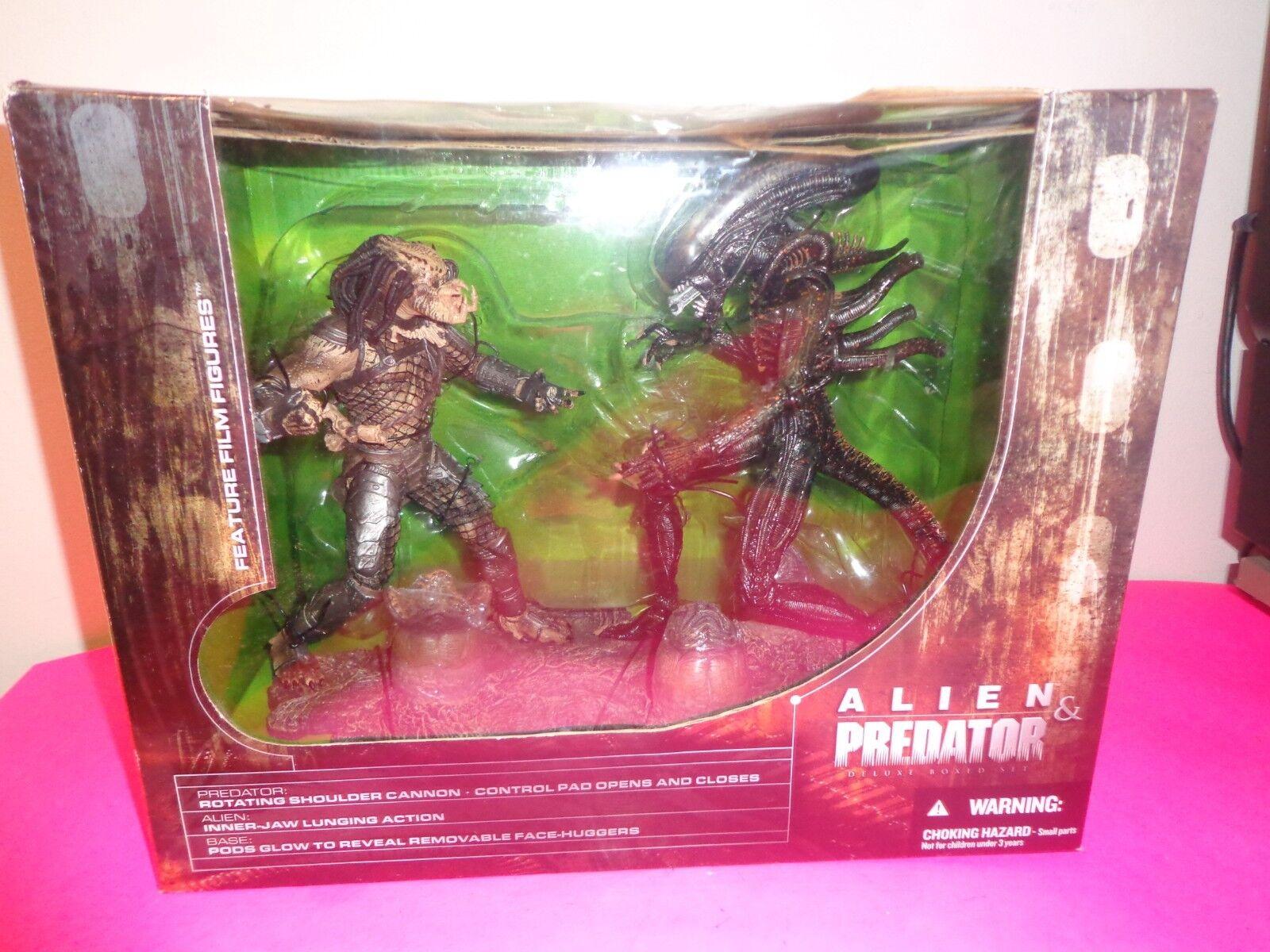 MCFARLANE Alien & Predator DELUXE BOX SET Movie Maniacs Series 5 FIGURES