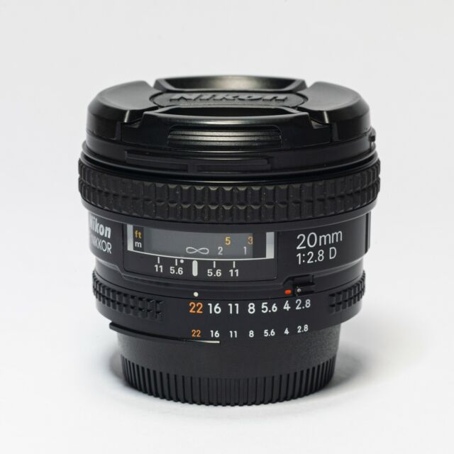 Nikon 20mm f/2.8 D lens in mint condition