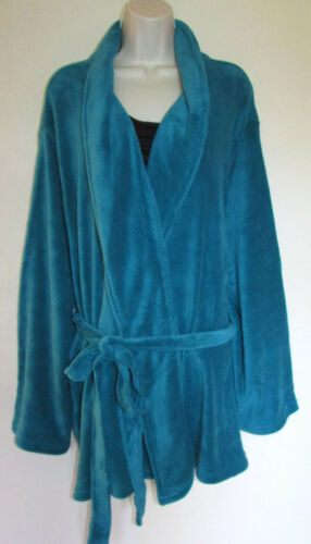 Womans Plus 4X  Cozy /& Warm Plush Short Robe With Pockets New in Package