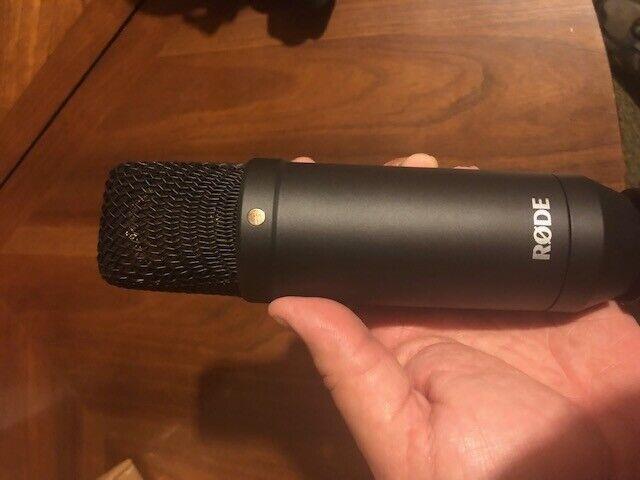 Rode NT1KIT Microphone à condensateur avec pop filtre et Shock Mount