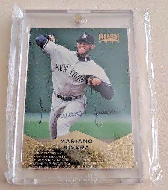 1997 Pinnacle 128 Mariano Rivera Signed Auto Baseball Card Autograph Hof