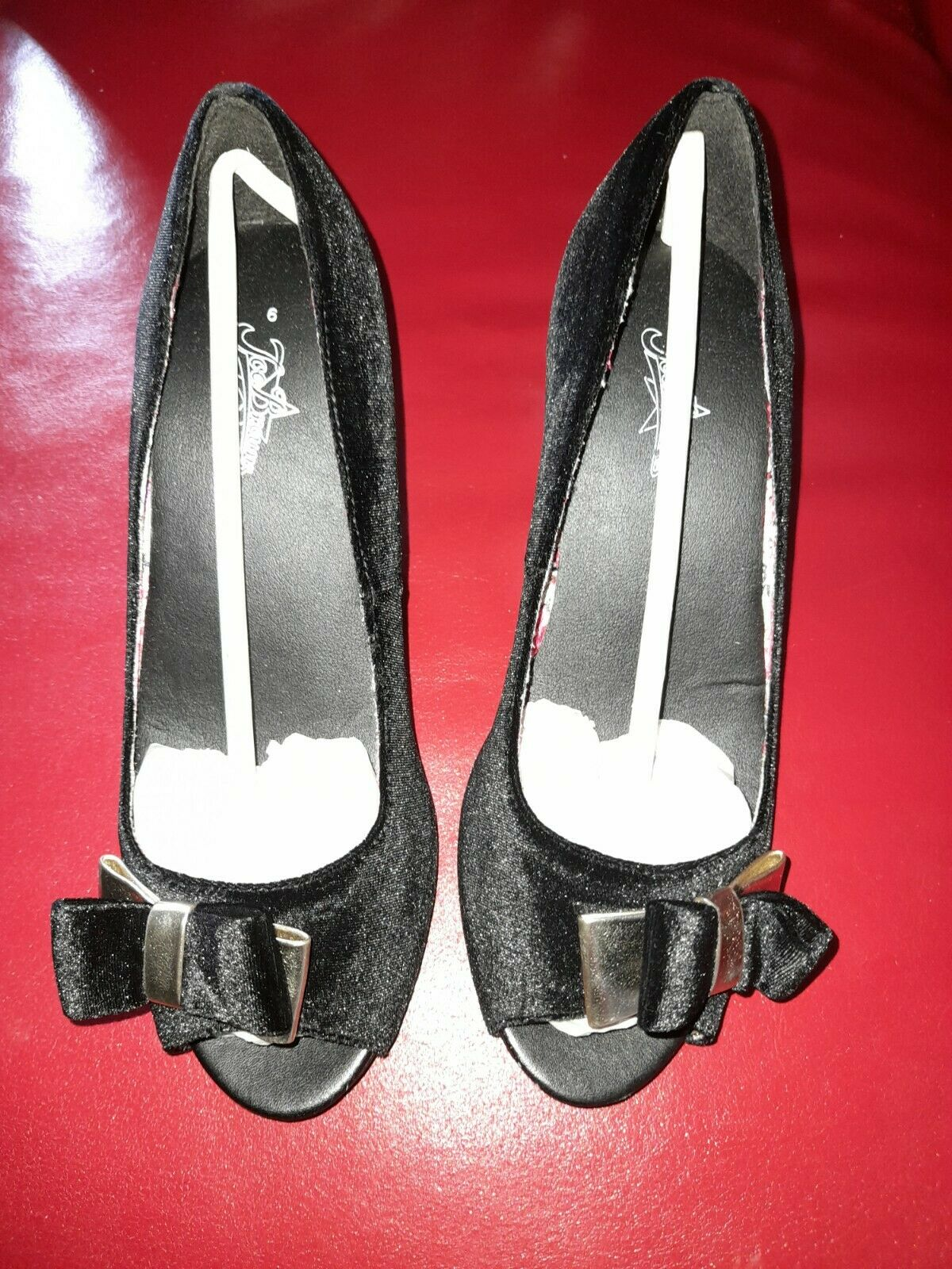 Joe Browns Shoes Size 6 black and gold new
