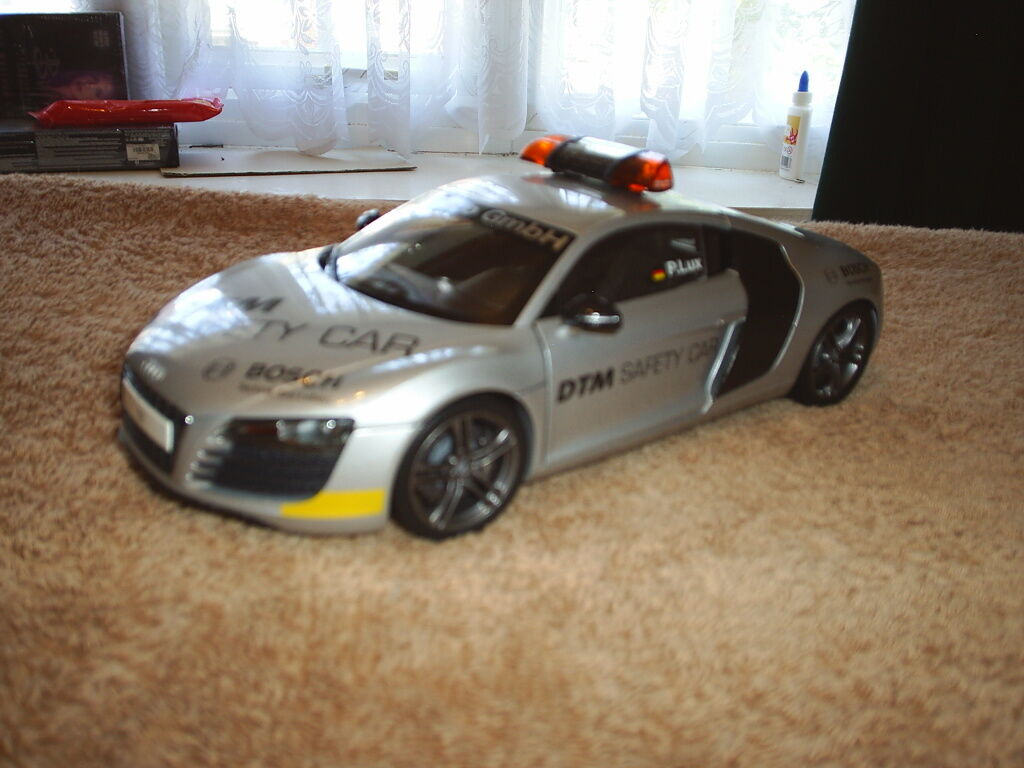 KYOSHO 1 18TH SCALE AUDI R8 DTM SAFETY CAR 2008