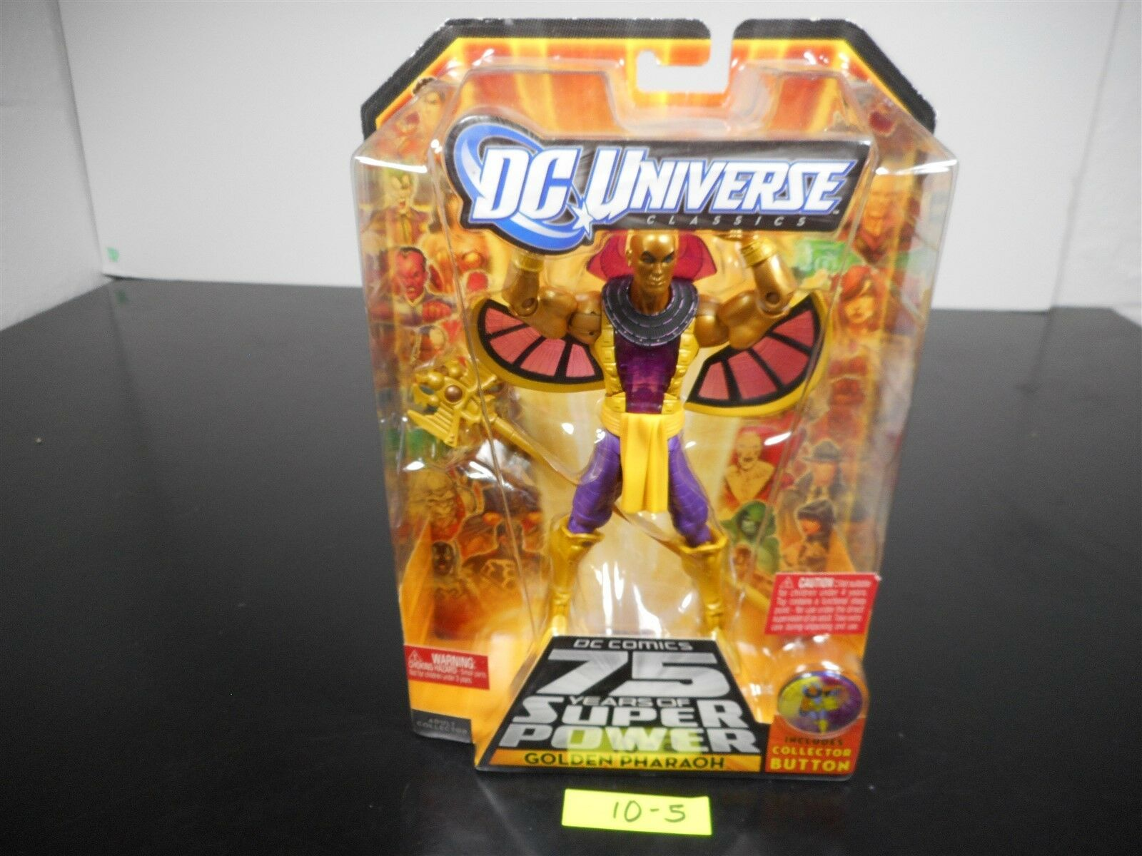 SEALED  DC UNIVERSE CLASSICS goldEN PHARAOH COLLECTOR BUTTON WAVE 15 FIG 1 10-5