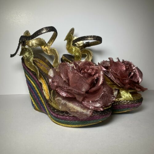 Irregular Choice Weavers Flower Wedge Platform San