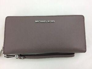 599963d3db0e New Authentic Michael Kors Jet Set Travel Leather Continental Wallet ...