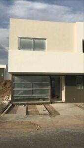 vivienda con roof garden 3 recámaras en privada con alberca y salón de eventos