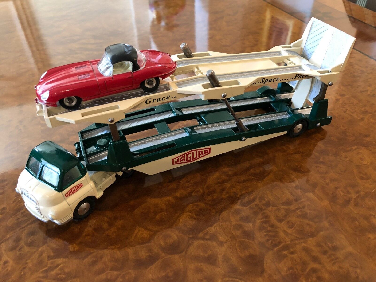 Vintage Corgi & Dinky Toys   SET   Unique Jaguar Works Car Transporter + Car