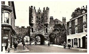 Mickelgate-Bar-York-UK-Black-amp-White-RPPC-Postcard