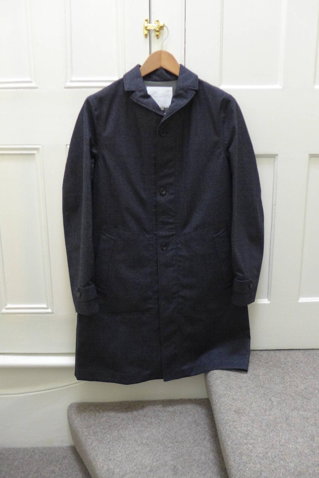 Weiß Mountaineering Chester Gore-Tex Coat, Größe 2/Medium - BNWT