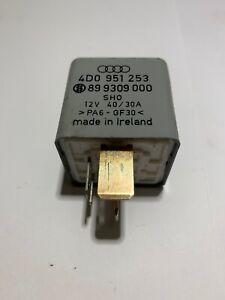 Relais-Nr-372-4D0951253-VW-AUDI-SKODA-Arbeitskontaktrelais-fur-Kraftstoffpumpe