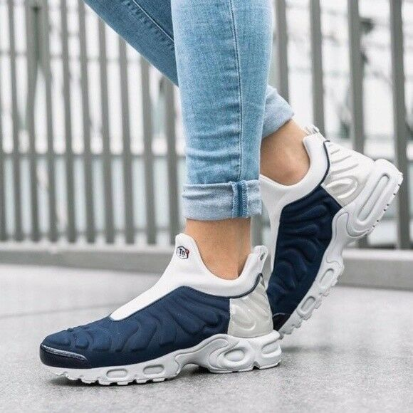 Nike Women's Air Max Plus Slip SP Women's shoes Size 7.5 Midnight Navy 940382