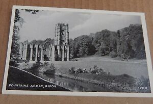 Postcard-fountains-Abbey-Ripon-Yorkshire-unposted