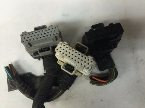99 DODGE DURANGO 5.2 ECM ECU PCM WIRING HARNESS PLUGS CONNECTORS P56040106AE 106