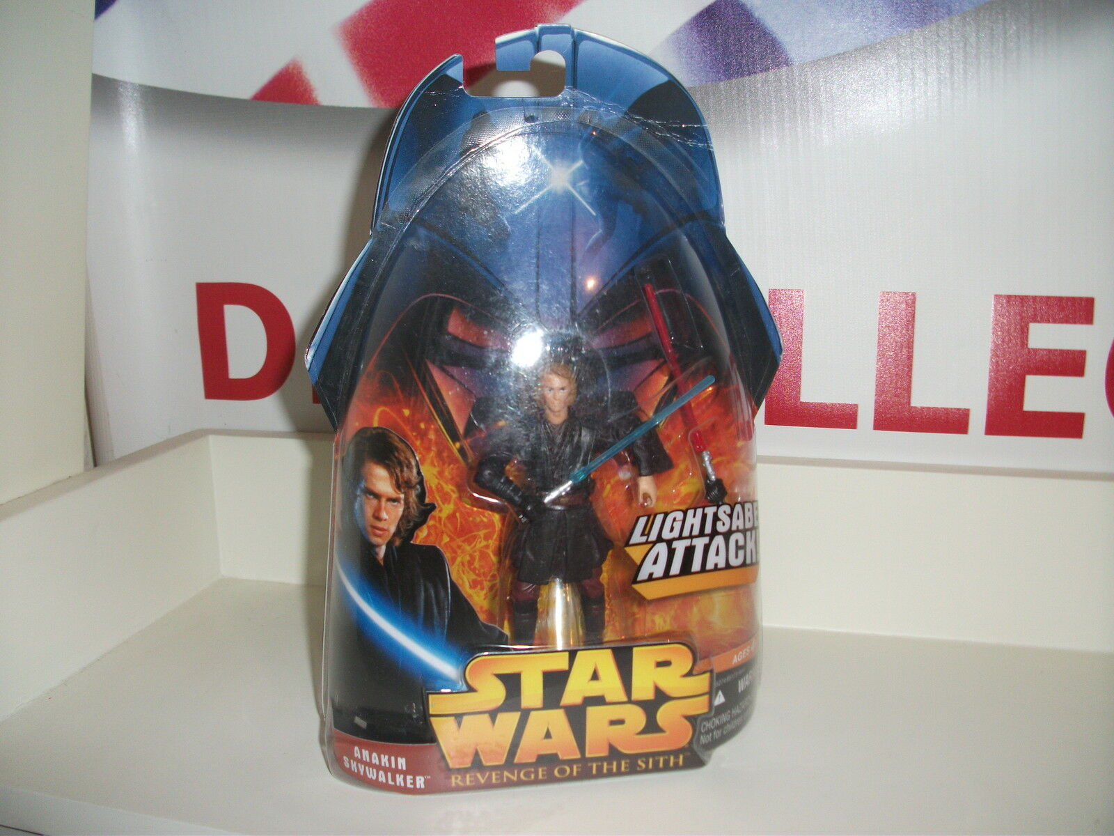 Star wars REVENGE OF THE SITH, Anakin Skywalker NEW ON DAMAGED CARD