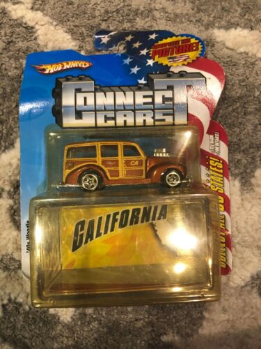 2009 Hot Wheels Connect Cars # 31 California 40s Woodie w//plastic case