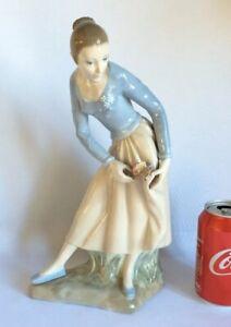 Zaphir-Temprano-Grande-Lladro-Porcelana-Figura-Nina-Con-Mariposa-31-8cm-32cm