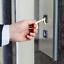 miniature 2 - Ouvre Porte Sans Contact Crochet Clé Hygiène Antibactérien Sans les mains