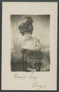 c-1908-10-RPPC-Real-Photo-Postcard-Edwardian-Era-Woman-With-Big-Feathered-Hat