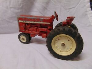 Vintage-International-Red-Farm-Tractor-w-four-wheels-steering-wheel-8-034-x-4-034-USA